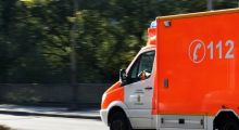 """POL-MA: Walldorf: Autofahrer prallt mit Notarztwagen auf """"Monsterkreuzung"""" zusammen, vier Leichtverletzte"""